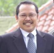 Guru Besar dan Wakil Rektor Bidang Kerjasama Prof Dr Murodi MA