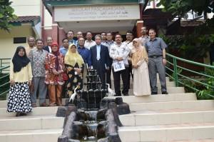 Direktur SPs UIN Jakarta Lepas Sarjana Baru