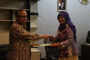 Rektor UIN Jakarta Prof.Dr. Dede Rosyada, M.A. & Rektor IAIN Manado Dr Rukmina Gonibala M.Si, Teken Kerjasama Pengembangan Institusi