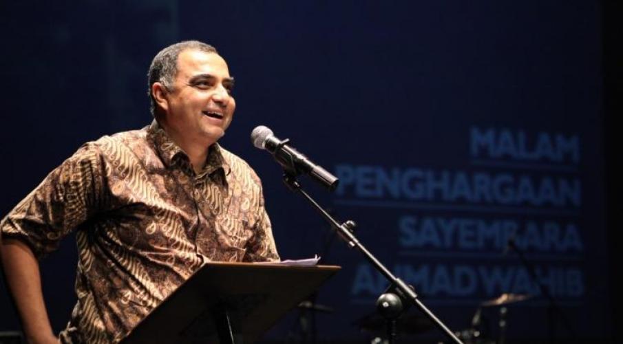 """Haidar Bagir dalam diskusi buku """"Semesta Cinta; Pengantar kepada Pemikiran Ibnu Arabi"""" di Malang, 24/2."""