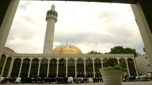 80 Masjid di Inggris, Buka Pintu untuk Non Muslim