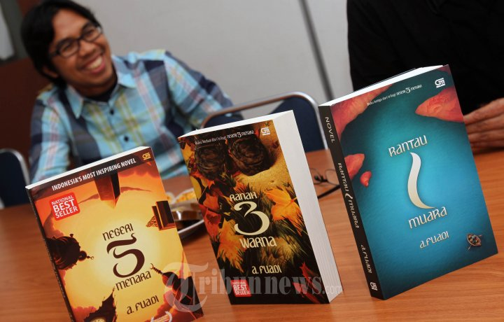 Tiga Tokoh Indonesia Raih Lulusan Terbaik Universitas Inggris