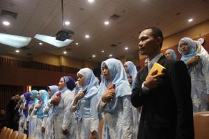 Fakultas Kedokteran dan Ilmu Kesehatan (FKIK) UIN Jakarta menggelar sumper Ners bagi 32 mahasiswa Program Studi Ilmu Keperawatan di Auditorium Fakultas Kedokteran dan Ilmu Kesehatan UIN Syarif Hidayatullah Jakarta (16/03/2016). Dari total 32 mahasiswa tersebut terdiri dari 29 perempuan dan 3 laki-laki. Ke-32 ners tersebut sebelumnya dinyatakan lulus Uji Kompetensi Ners Indonesia (UKNI).