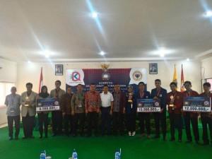 TIM Debat FSH UIN Jakarta Kembali Raih Juara 1 Debat Konstitusi MK Tingkat Regional
