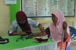 Pusat Studi Gender dan Anak (PSGA) UIN Jakarta bekerjasama dengan Prodi Pendidikan Dokter FKIK UIN Jakarta, Klinik Makmur Jaya, Yayasan Kanker Indonesia, dan RS Syarif Hidayatullah dijadwalkan menyelenggarakan kegiatan UIN Jakarta Peduli bagi sivitas akademi di Auditorium Harun Nasution, Kamis (21/04). Kegiatan yang dijadwalkan dimulai pukul 08.00 WIB ini ini diharap menanamkan kesadaran bagi seluruh sivitas tentang pentingnya pemeliharaan kesehatan.
