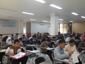 UIN Syarif Hidayatullah Jakarta menjadi salah satu perguruan tinggi yang ditunjuk sebagai tempat pelaksanaan tes para calon penerima program beasiswa kuliah di Timur Tengah dari Kemenag RI. Tes berlangsung satu hari dan terdiri dari dua jenis, yaitu tes tulis dan dilanjutkan dengan wawancara. (19/05)