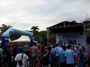 Meriahkan Milad: Sivitas Akademik UIN Jakarta Ikuti Gerak Jalan di Monas