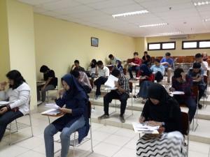 Ujian Seleksi Masuk Bersama Perguruan Tinggi Negeri (SBMPTN) 2016 dilaksanakan secara serentak hari ini, Selasa (31/05).