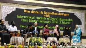 Sebagian dari 70 mahasiswa asing sudah tiba di UIN Jakarta. Mereka sudah mengikuti aktifitas yang diselenggarakan PLKI UIN Jakarta.