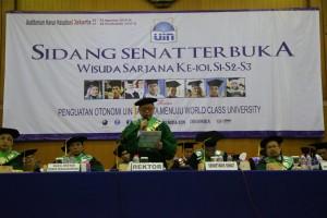 Rektor UIN Jakarta Prof Dr Dede Rosyada MA pada Wisuda Sarjana Ke-101. Sabtu-Minggu (20-21/08).