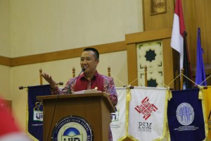 Menteri Pemuda dan Olahraga (Menpora) Imam Nahrowi S.Ag memenuhi undangan UIN Jakarta untuk menyampaikan pidato kebangsaan pada saat pelaksanaan OPAK 2016. Bertempat di Audtorium Harun Nasution Kampus I UIN Jakarta, Rabu (24/08).