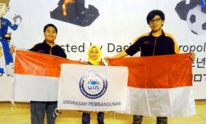 Siswa Madrasah Pembangunan (MP) UIN Jakarta berhasil menyabet gelar juara pada kompetisi International Youth Robot Competition (IYRC) di Daejon, Korea Selatan, Sabtu-Senin (12-14/08).