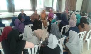 Mahasiswa Psikologi KKL di Pesantren
