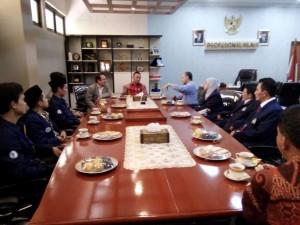 Menpora Sarankan Dema UIN Jakarta Undang Gloria