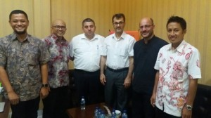 Universitas Turki mengunjungi UIN Jakarta untuk membicarakan perihal kerjasama yang dibangun oleh kedua lembaga. Rombongan tersebut diterima oleh Kepala Lembaga Penelitian dan Pengabdian Kepada Masyarakat (LP2M) Prof Dr M. Arskal Salim GP MA serta Kepala Pusat Layanan Kerjasama Internasional Rachmat Baihaky MA di ruang LP2M, Selasa (16/08).