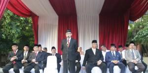 Rektor UIN Jakarta Prof Dr Dede Rosyada MA Bertugas sebagai inspektur upaca HUT RI Ke-71, bertempat dihalaman Student Center, Rabu (17/08).