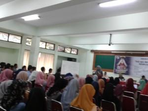 Teater Syahid UIN Jakarta menggelar Art Inspiring. Kegiatan ini diisi dengan diskusi publik yang bertajuk Ada Apa Dengan Ketakutan. Acara yang bertujuan untuk mencari makna lebih jauh serta cara menghadapi rasa takut ini dilaksanakan, Selasa (17/9), bertempat di Aula Madya UIN Jakarta.