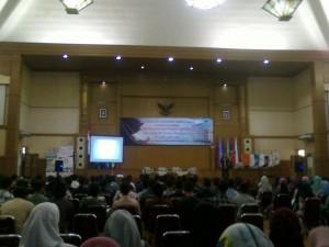 Fakultas Ekonomi dan Bisnis (FEB) UIN Jakarta menggelar Tafakur Training dam mempersiapkan semangat belajar yang diikuti oleh mahasiswa baru FEB 2016, bertempat di Auditorium Harun Nasution, Selasa (6/9).