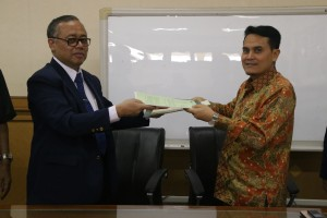 UIN Jakarta and IAIN Imam Bonjol Padang signed a memorandum of cooperation in the Main Conference room of UIN Jakarta, Monday, (10/10).