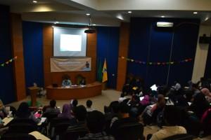 DEMA Fakultas Adab dan Humaniora menggelar Seminar Kepenulisan. Acara yang mengangkat tema Mengaplikasikan Potensi Mahasiswa Melalui Tulisan ini diadakan di Teater Abdul Ghani lt 4 FAH UIN Jakarta, Kamis (20/10).