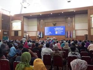 Buku berjudul Pengembang Islam dan Budaya Moderat hari ini secara resmi diluncurkan. Peluncuran buku tersebut dilaksanakan pada, Rabu (05/10), bertempat di Auditorium Harun Nasution UIN Jakarta.