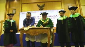 Kemenaker-UIN Jakarta Tandatangani Nota Kesepahaman