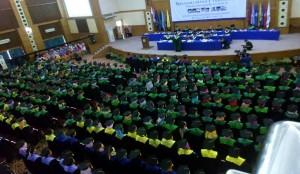 Hari pertama pelaksanaan Wisuda Sarjana ke-102, Rektor UIN Jakarta Prof Dr Dede Rosyada MA melepas sebanyak 532 sarjana baru. Mereka berasal dari program S1 sebanyak 532 orang. Upacara pelepasan digelar dalam Sidang Senat Terbuka di Auditorium Harun Nasution, Sabtu (26/11).