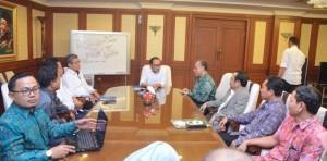 Menteri Ketenagakerjaan Muhammad Hanif Dhakiri S.Ag M.Si mendorong perguruan tinggi menerapkan pendidikan vokasi ke dalam kurikulum perkuliahan. (15/11)