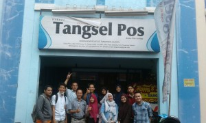 "Students from the Communication and Islamic Broadcasting program study UIN Jakarta visited ""Tangsel Pos"" editorial office at ITC Bumi Serpong Damai, Tangerang, Banten, on Tuesday (12/6)."