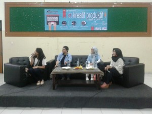 LPM INSTITUT Held Creative Productive Online Media Talkshow