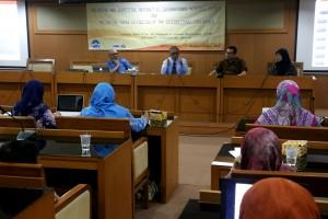 Rektor UIN Jakarta Prof Dr Dede Rosyada MA menghimbau kepada seluruh sivitas akademisi untuk meningkatkan publikasi ilmiah internasional. Disampaikan rektor saat memberikan sambutan pada acara workshop yang diselenggarakan Lembaga Penelitian dan Pengabdian kepada Masyarakat (LP2M), Kamis (05/01), bertempat di ruang Diorama, Auditorium Harun Nasution.