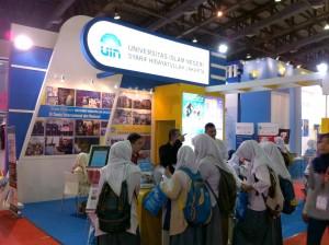 "Stan UIN Jakarta pada pameran ""Internatinoal Education and Training Expo 2016"" lalu di Jakarta Covention Center (JCC). (Foto: Dok Pubdok)"