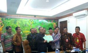 Kementerian ATR/BPN Serahkan Sertipikat Hak Pakai Kepada UIN Jakarta