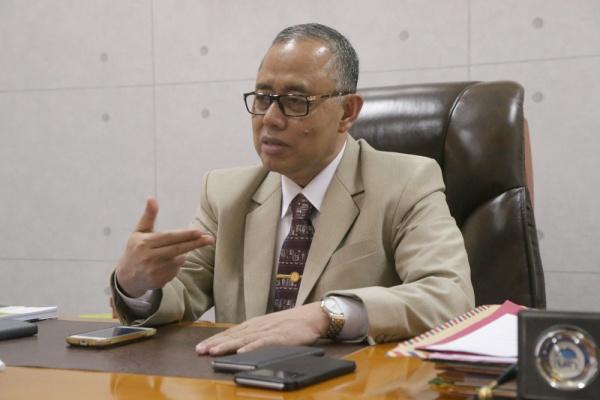 Ketua Forum Rektor PTKIN dan Rektor UIN Jakarta Prof Dr Dede Rosyada menyampaikan selamat atas perubahan status enam IAIN menjadi UIN (Foto: Hermanuddin)