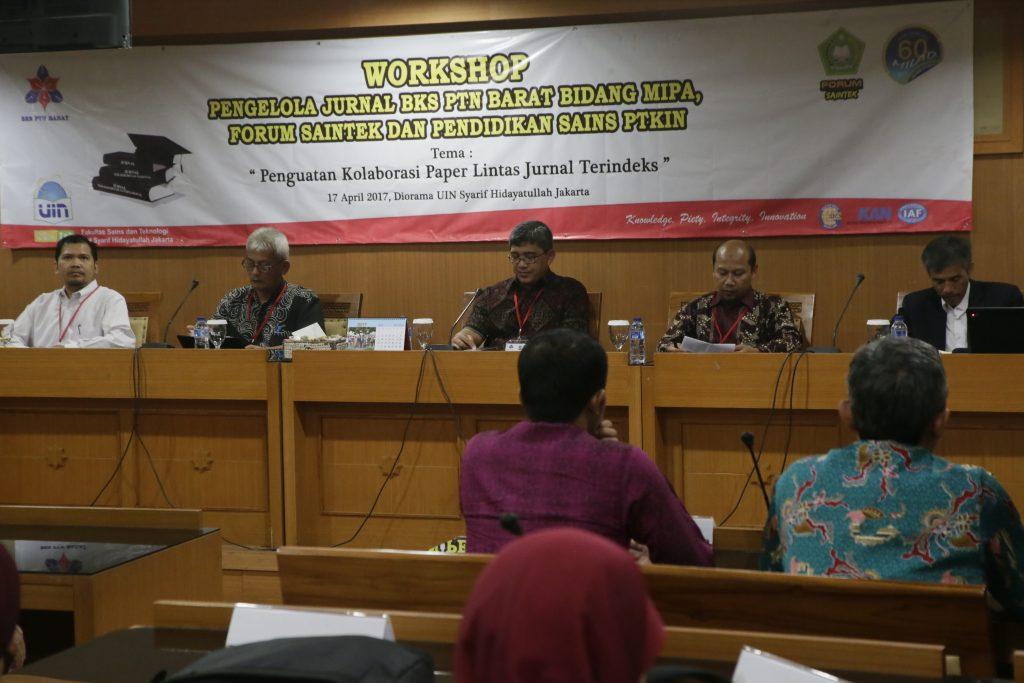 Pimpinan dan para pengelola jurnal ilmiah Fakultas Sains dan Teknologi, Perguruan Tinggi Keagamaan Islam Negeri (PTKIN) menyelenggarakan Workshop Pengelolaan Jurnal Bidang Sains dan Pendidikan Sains di Ruang Diorama, UIN Jakarta, Senin (17/04/2017). Rapat diharapkan meningkatkan performa dan kualitas penerbitan jurnal bidang MIPA di lingkungan FST PTKIN.