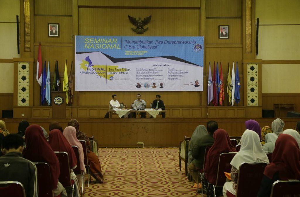 Pusat Bisnis Gelar Seminar dan Festival Wirausaha Mahasiswa