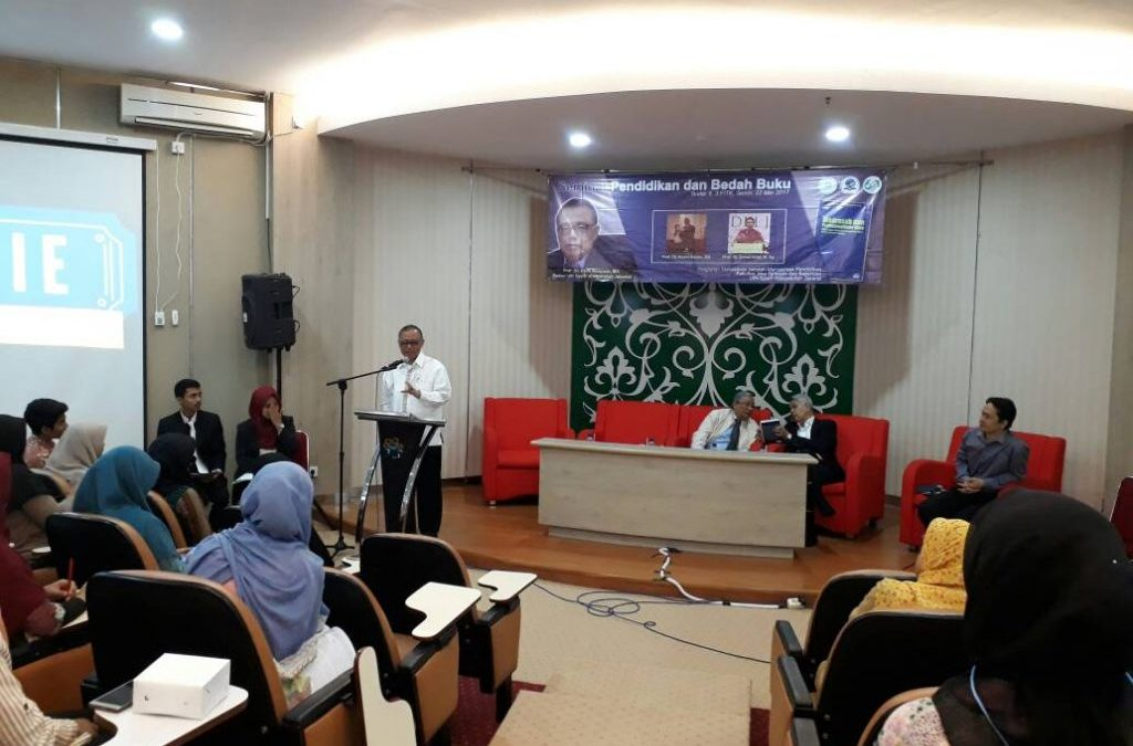 Prof Dr Dede Rosyada Launches Book on Madrasa and Professionalism