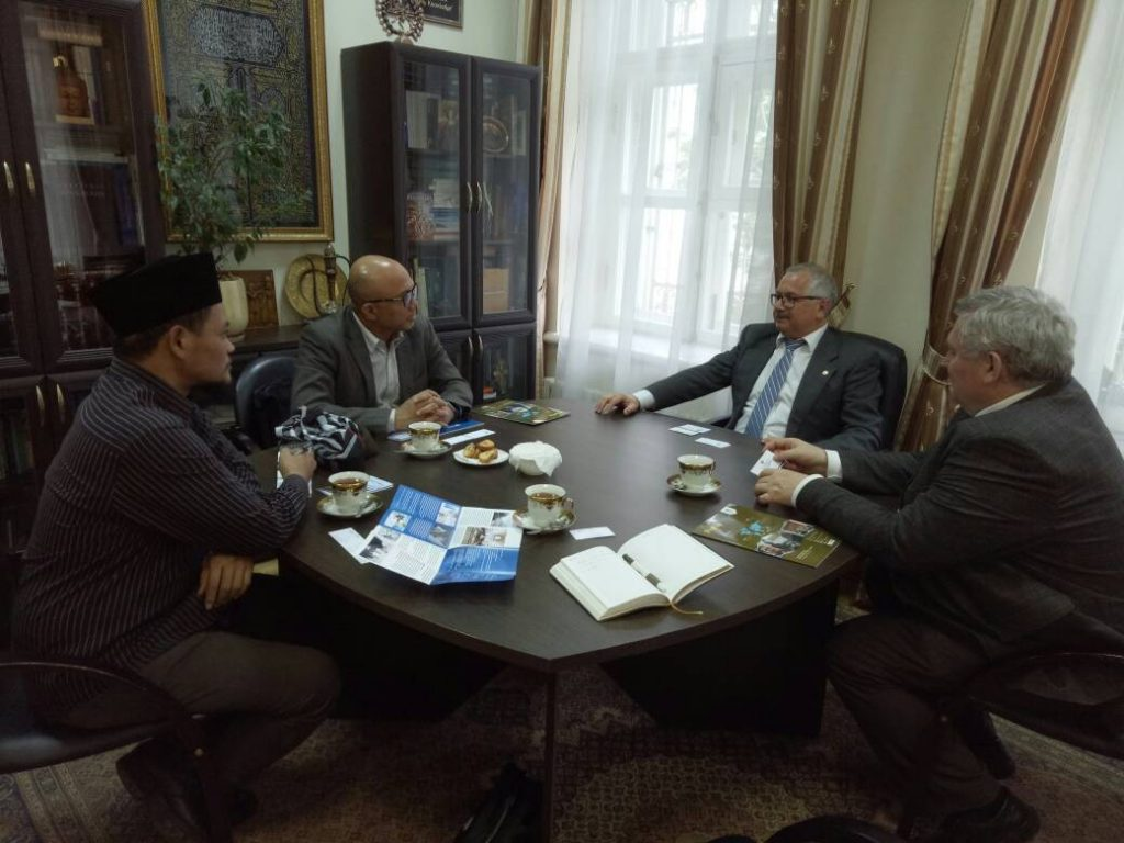 Delegasi UIN Jakarta, Prof Dr Arskal Salim dan Rachmat Baihaky MA, saat beraudiensi dengan pimpinan Kazan Federal University. Kerjasama juga dijajaki dengan Moscow Islamic University, The Higher School of Economics Russia, Russian International Affairs Council (RIAC), dan Russian Islamic University (Kazan).