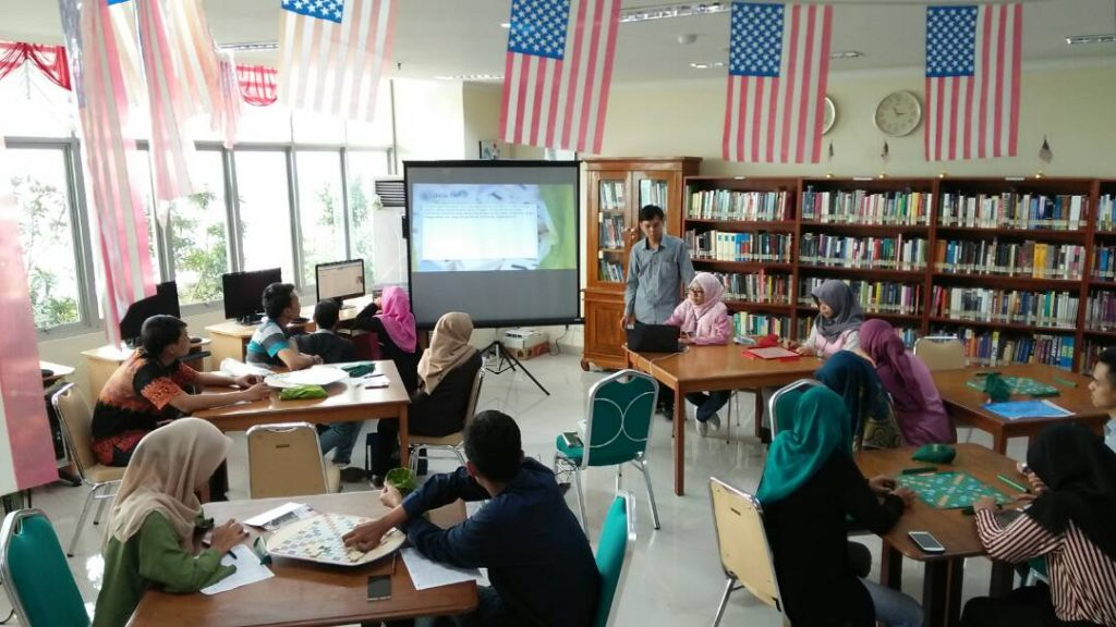 UKM Bahasa-FLAT Gelar Scrabble Workshop