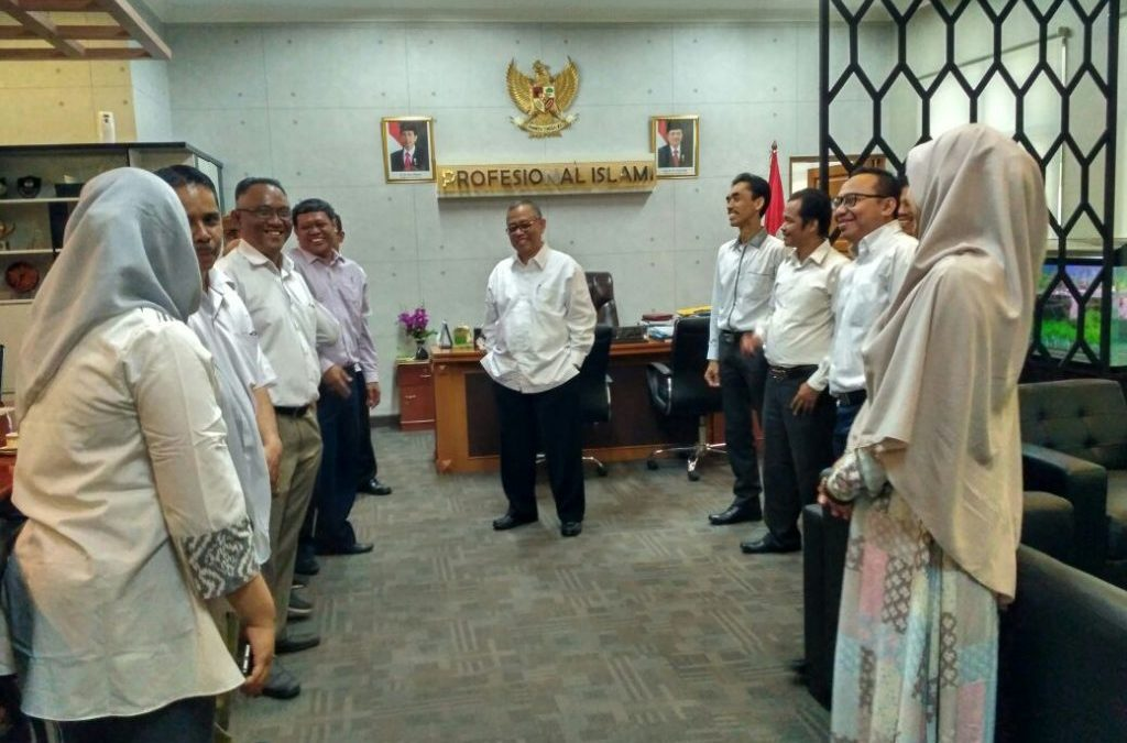 Rector Holds Lebaran Open House