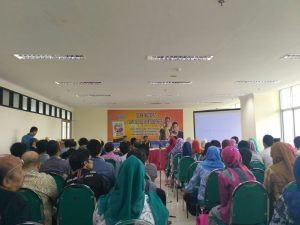 UIN Jakarta  Central Library Organized Book Review