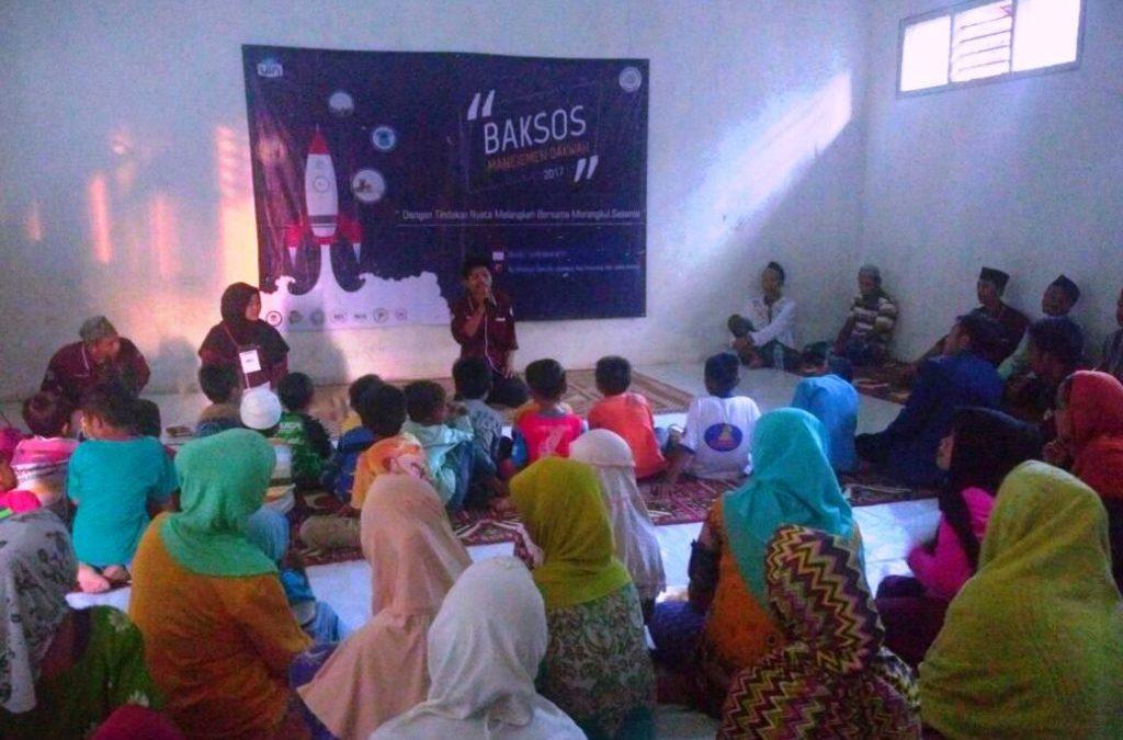Bakti Sosial Manajemen Dakwah Sasar Perkampungan Lebak