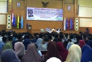 FAH UIN Jakarta Holds Book Review