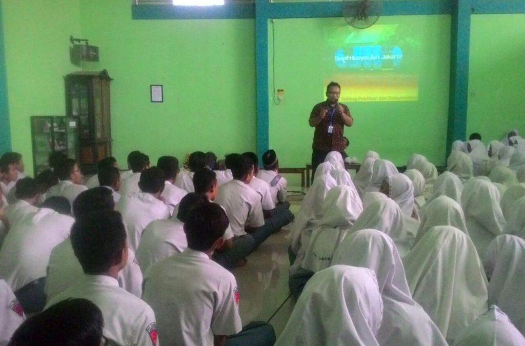 UIN Jakarta Socialization Team Targeted Lamongan Students