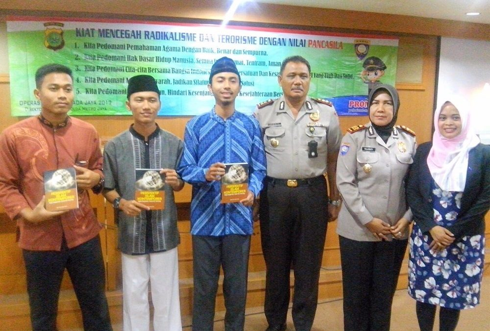 To Counteract Radicalism, LDK Syahid UIN Jakarta Synergized With Indonesian Police