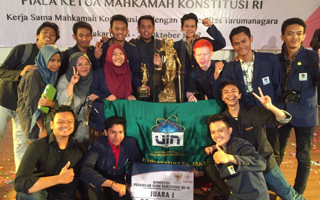 FSH UIN Jakarta Juarai Lomba Peradilan Semu MK 2017