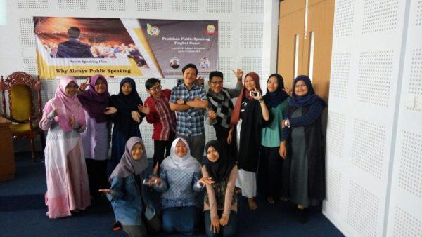 Public Speaking Club FAH UIN Jakarta Holds Workshop