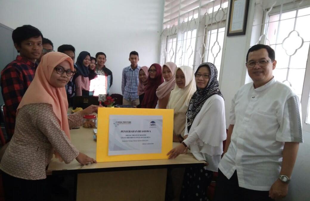 STF UIN Jakarta Kembali Salurkan Beasiswa