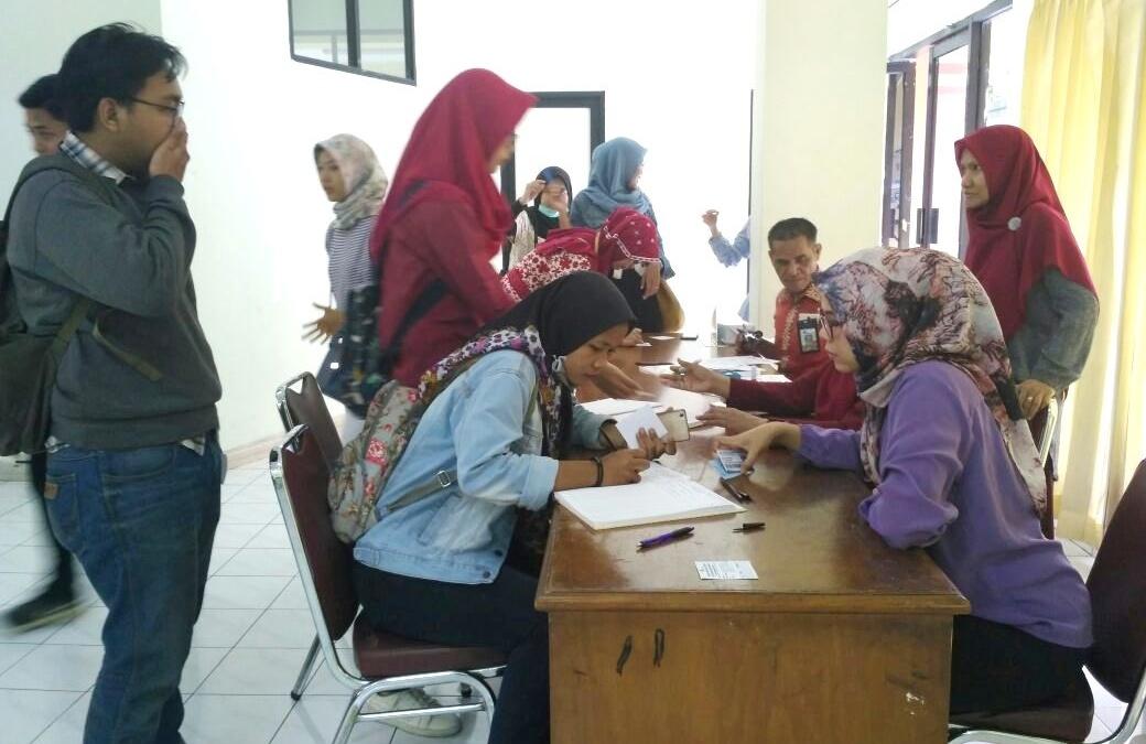 Peduli Kesehatan, RS UIN Jakarta Beri Vaksinasi Masal Bagi Mahasiswa