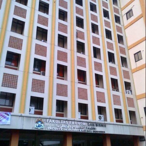 Dorong Iklim Akademik, FEB Wajibkan Mahasiswa Menulis Artikel Ilmiah